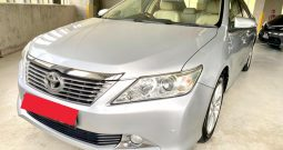 2015 – TOYOTA CAMRY 2.5 AT SILVER– SMW4650Y