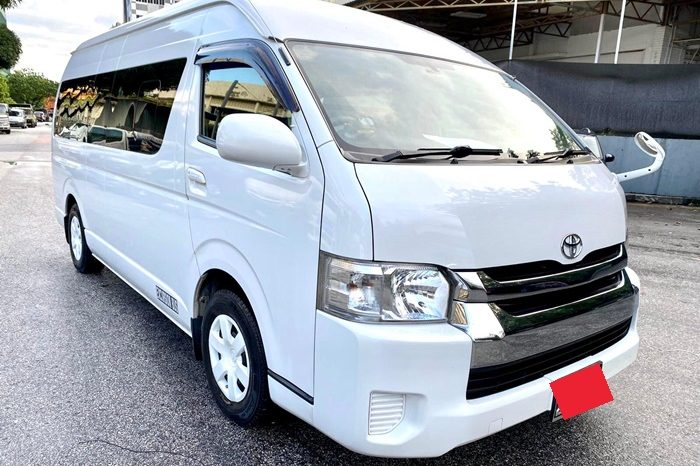 2014 – TOYOTA COMMUTER 3.0 AT WHITE – PC2352R full