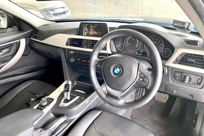 2014- BMW 316I SPORTS 1.6 AT BLACK – SKM4003S full