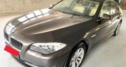 2013- BMW 520I SPORTS 2.0 AT GREY – SMY1074U