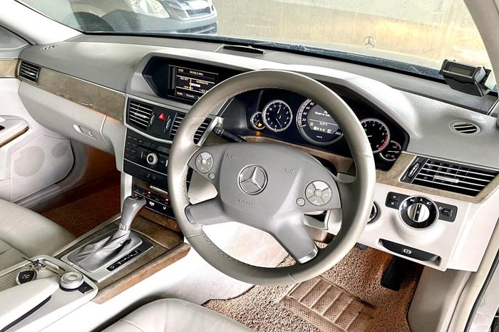 2011 – MERCEDES-BENZ E200 1.8 AT SILVER – SLH994Y full