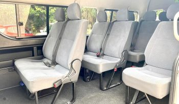 2013 – TOYOTA COMMUTER 3.0 AT SILVER – PC2265J full
