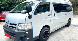 2013 – TOYOTA COMMUTER 3.0 AT SILVER – PC2265J