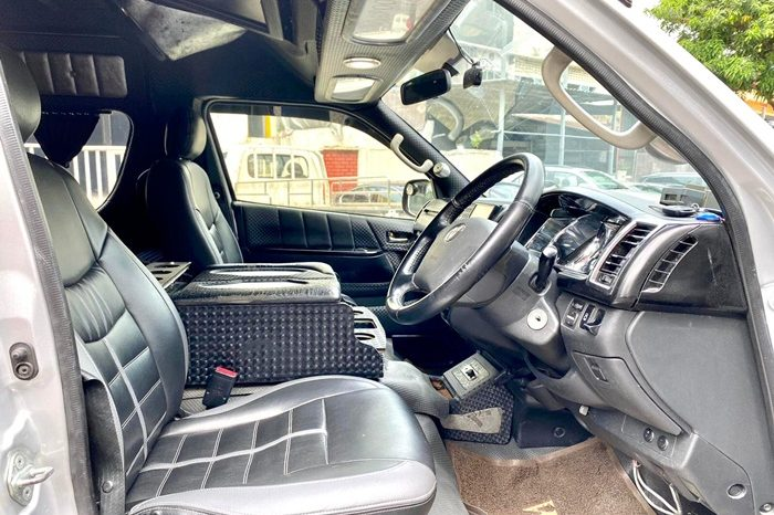 2012 – TOYOTA COMMUTER 3.0 AT SILVER – PC2373E full