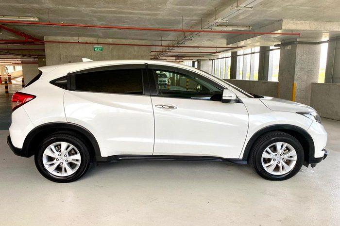 2015 – HONDA VEZEL 1.5 AT SUV WHITE – SMY6219L full