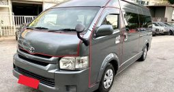 2015 – TOYOTA COMMUTER 3.0 AT GREY – PC3704C